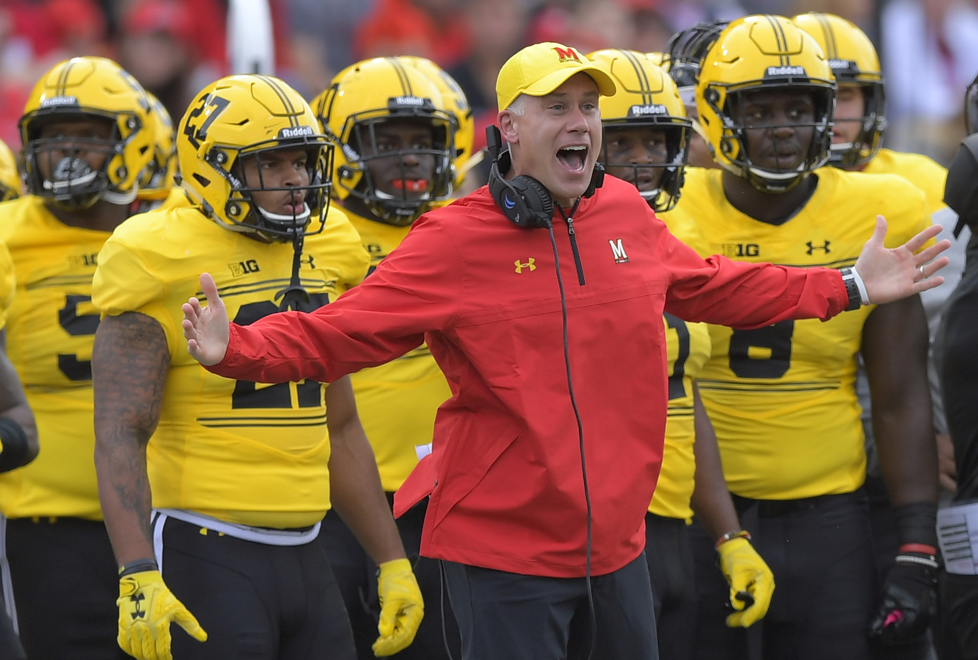 the Maryland Terrapins play the Indiana Hoosiers in football