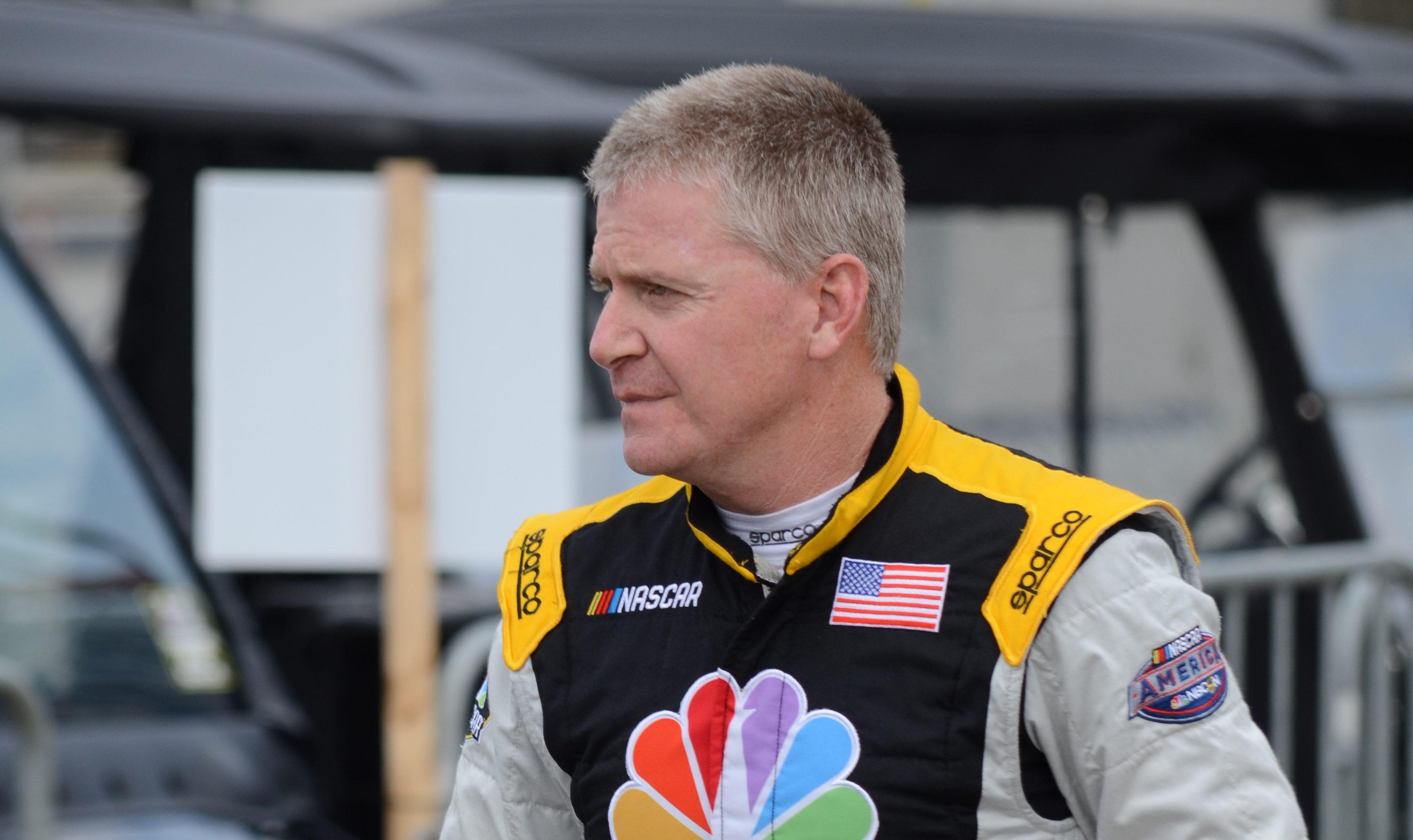 AUTO: OCT 28 NASCAR Playoff - First Data 500
