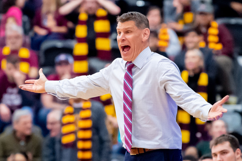 COLLEGE BASKETBALL: JAN 15 Valparaiso at Loyola-Chicago